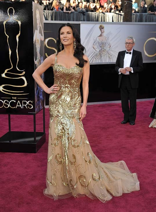Catherine Zeta Jones Red Carpet Oscars 2013 gold gown